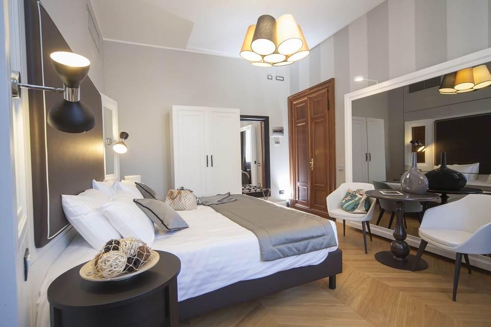 sleep hotel grande italia. Black Bedroom Furniture Sets. Home Design Ideas